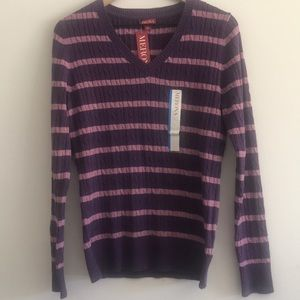NWT Merona Women's V-Neck Sweater Size L